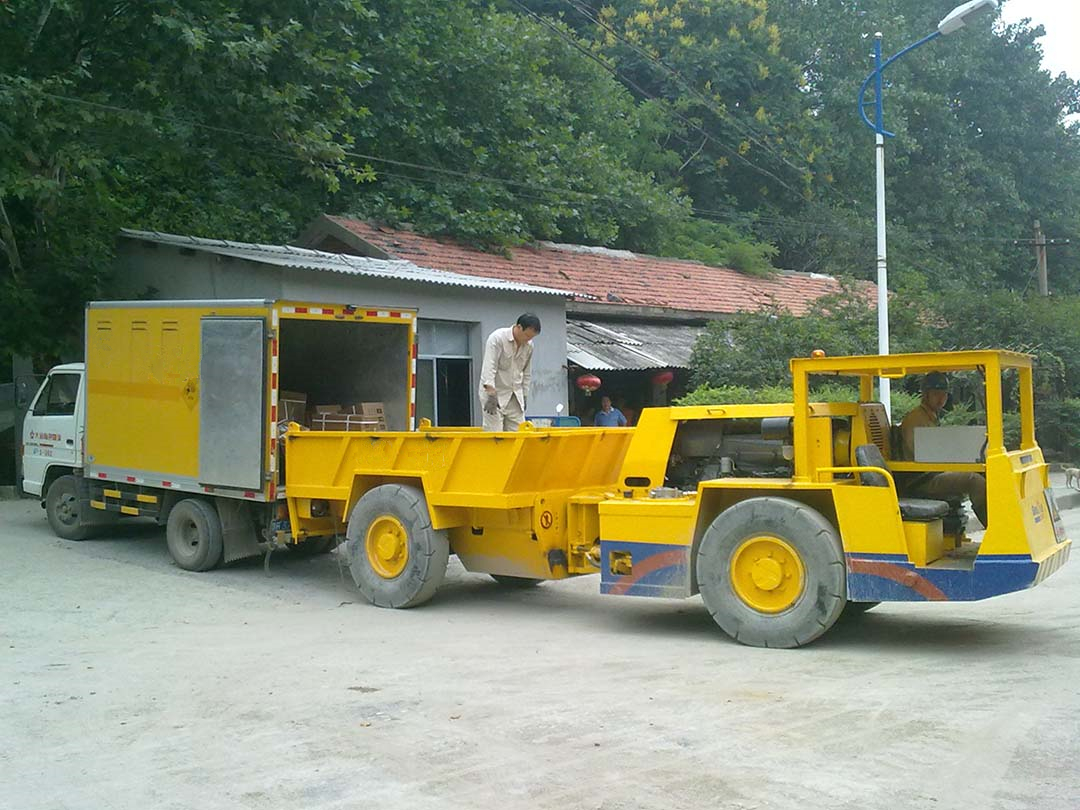 ALHA-5A UG Explosive Transport Vehicle-Beijing Hot Mining Tech-2