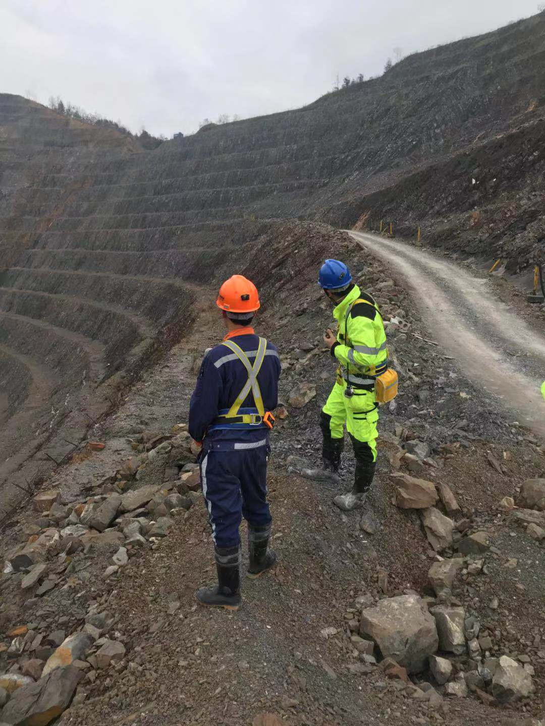 field-service-Beijing-HOT-Mining-Tech